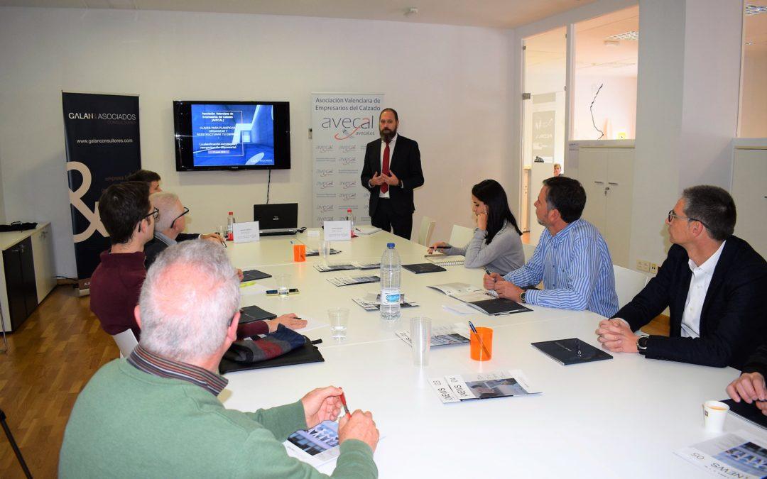 El sector del calzado ahonda en las claves para planificar el modelo de negocio y la estructura empresarial