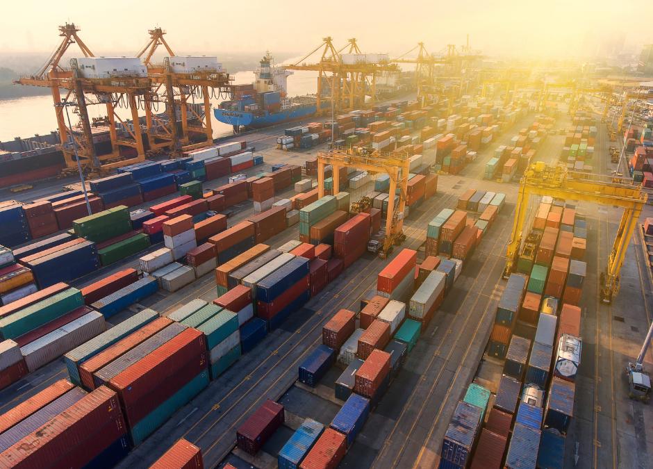 El calzado de la Comunitat Valenciana examina el nuevo marco con EEUU y Reino Unido para las exportaciones